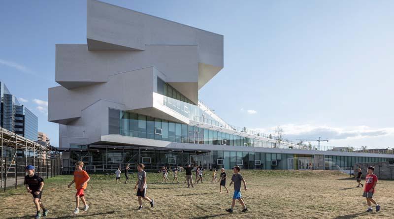 New Virginia High School Features Impressive Architecture